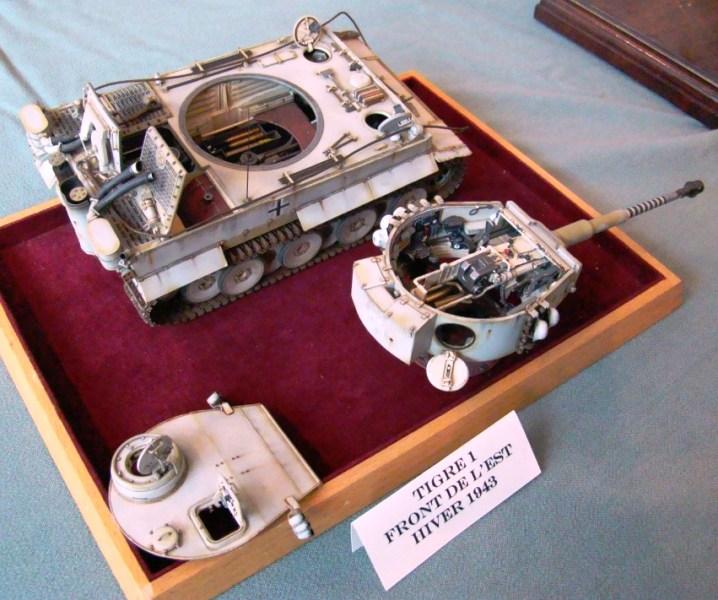 detaillage jadpanther interieur jaquar moteur verlinden set photo decoupe aber  A_expo11