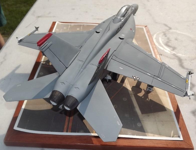montage F-18 super hornet italeri Dscf4322