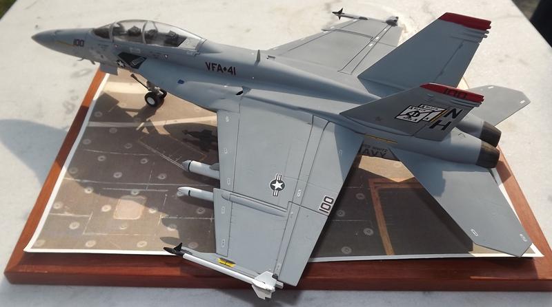 montage F-18 super hornet italeri Dscf4323