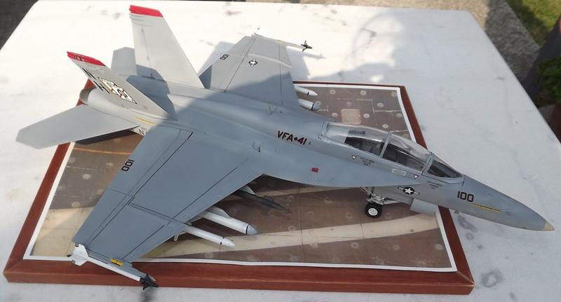 montage F-18 super hornet italeri Dscf4325