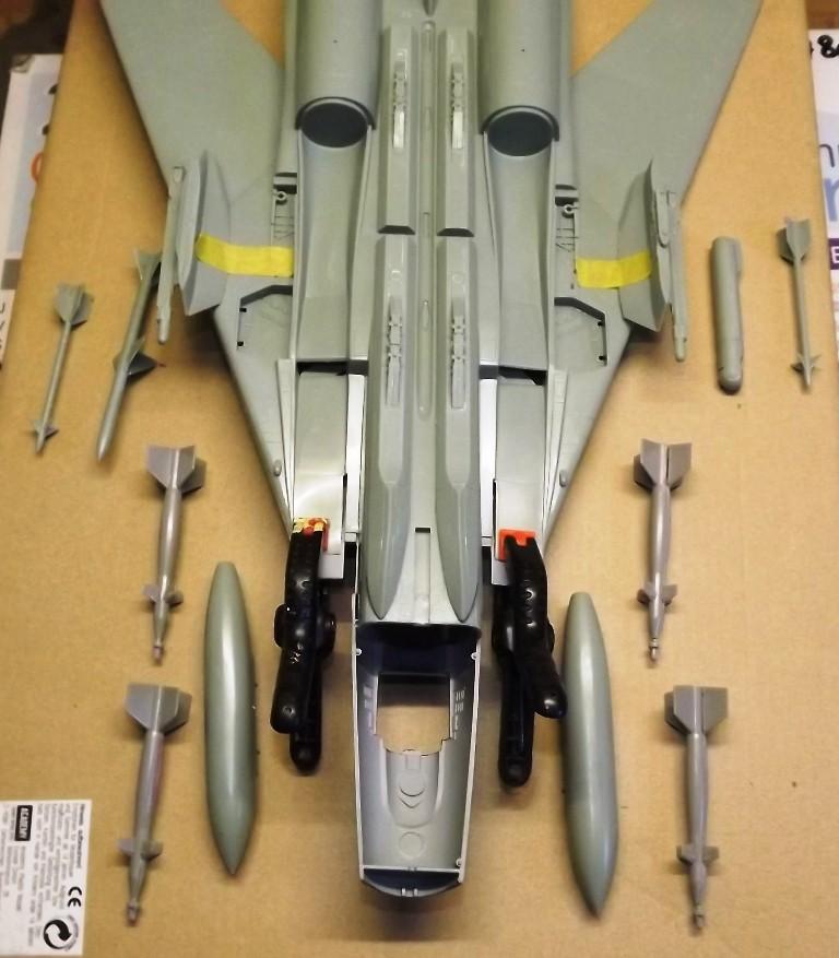 montage F-14 A Academy et hasegawa Dscf4416
