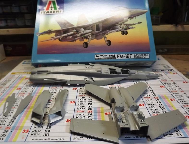 montage F-18 super hornet italeri F-1810