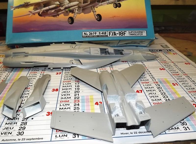 montage F-18 super hornet italeri F-18_310
