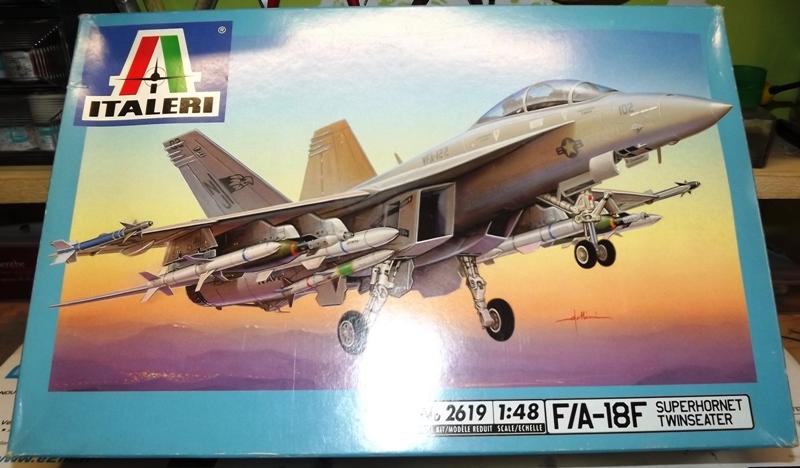 montage F-18 super hornet italeri F-18_410