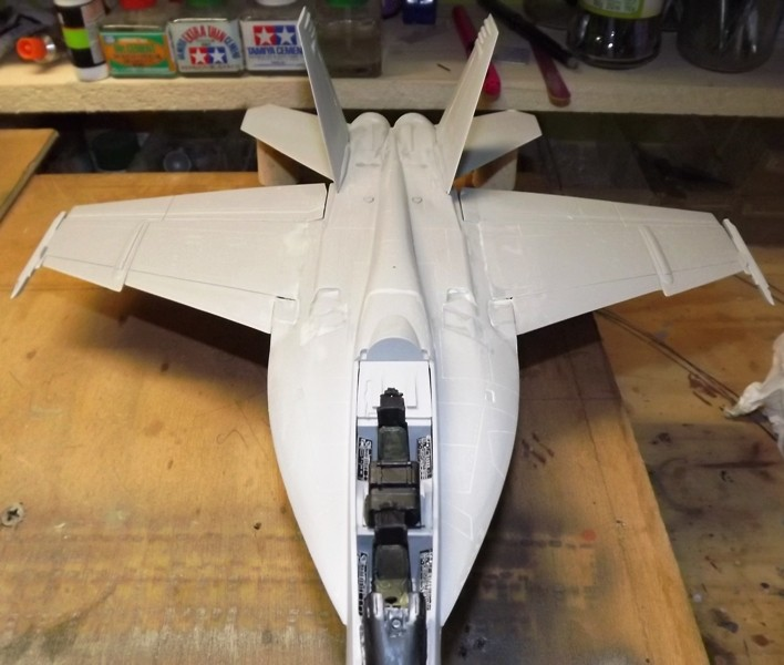 montage F-18 super hornet italeri F-18_m11