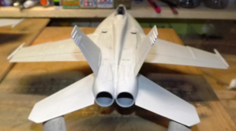 montage F-18 super hornet italeri F-18_m12