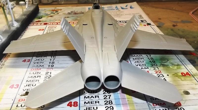 montage F-18 super hornet italeri Hornet12