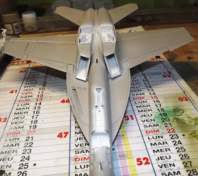 montage F-18 super hornet italeri Hornet13