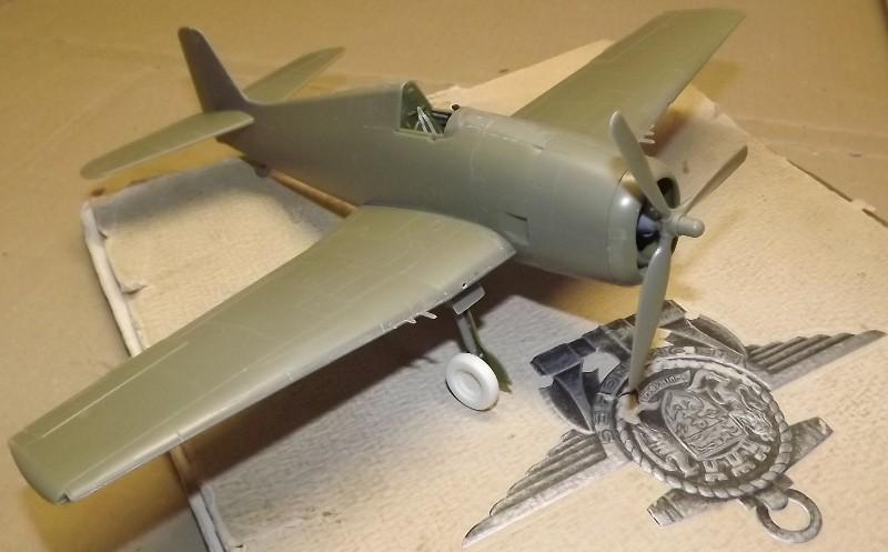 F6F-5 HELLCAT eduard 1/48 Sur_pa12