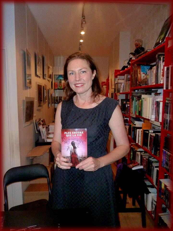 Rencontre avec Amy PLUM - Librairie l'Antre Monde 26 juin 2012 Amy_pl10