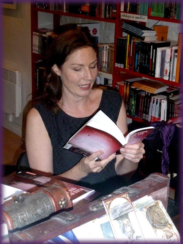 Rencontre avec Amy PLUM - Librairie l'Antre Monde 26 juin 2012 Amy_pl12