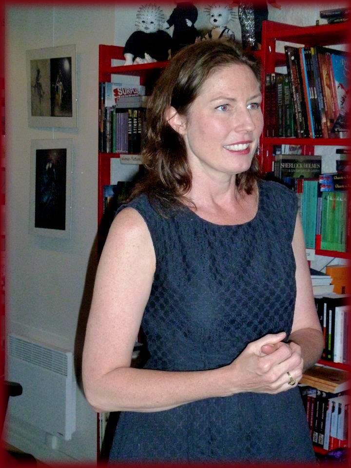 Rencontre avec Amy PLUM - Librairie l'Antre Monde 26 juin 2012 Amy_pl13