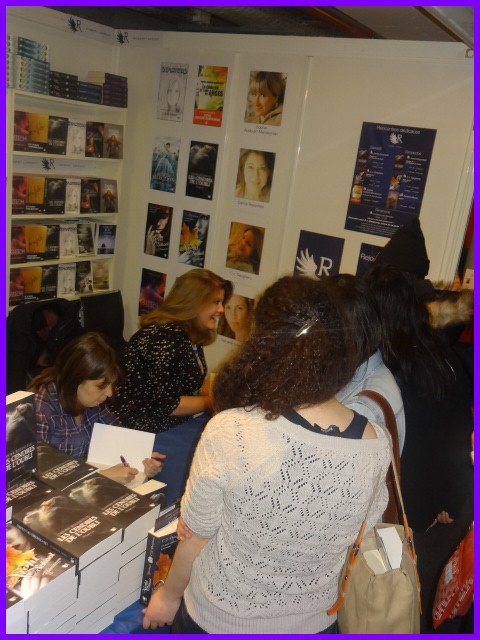 La Collection R à son premier salon du livre jeunesse de Montreuil - 28 novembre - 3 décembre 2012 Dsc00310