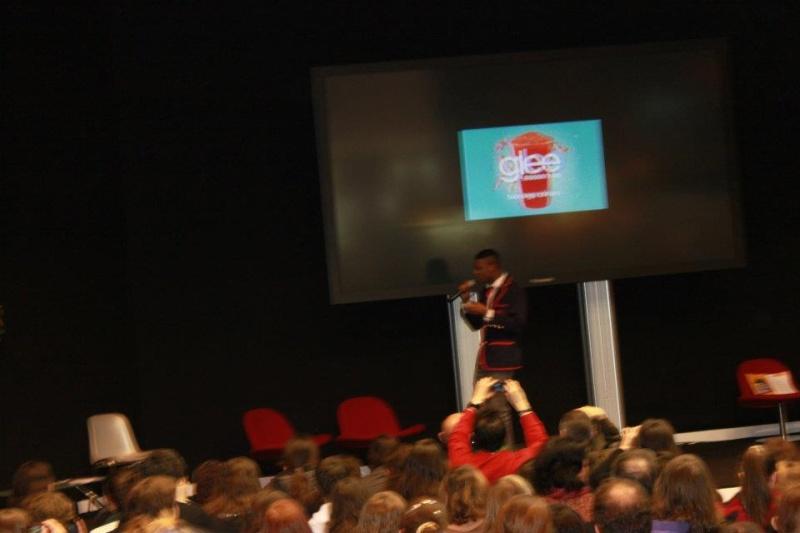 SALON DU LIVRE 2012 : Compte-rendus Glee10
