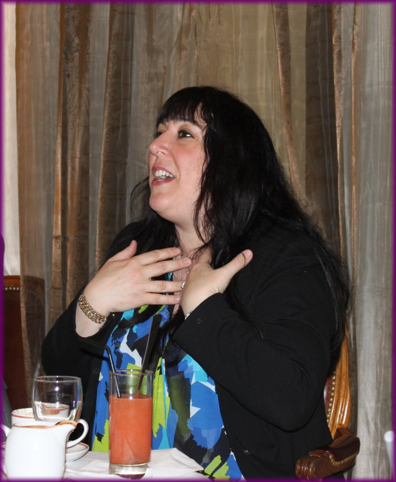 Rencontre avec Simone ELKELES salon du livre mars 2012 Img_3413