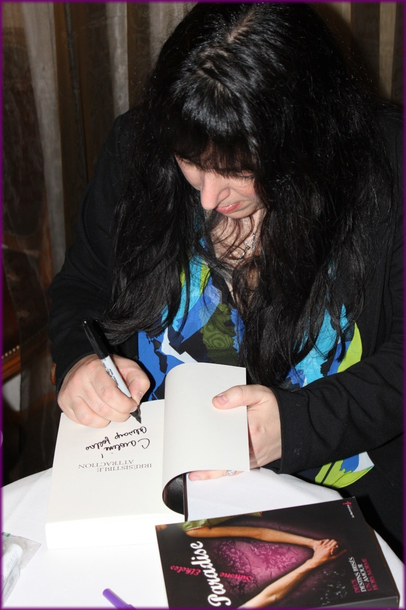 Rencontre avec Simone ELKELES salon du livre mars 2012 Img_3510