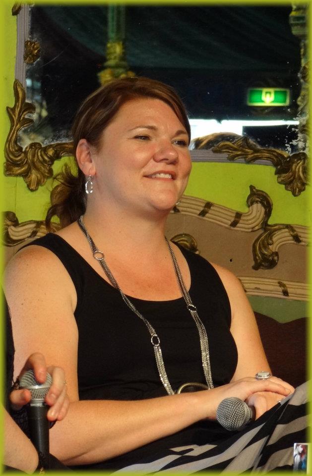 Rencontres avec Jaye WELLS - Imaginales 2012 Jw110