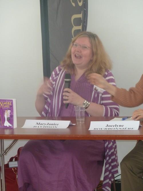 Rencontres magiques avec MaryJanice Davidson aux Imaginales 2012 Mjd12