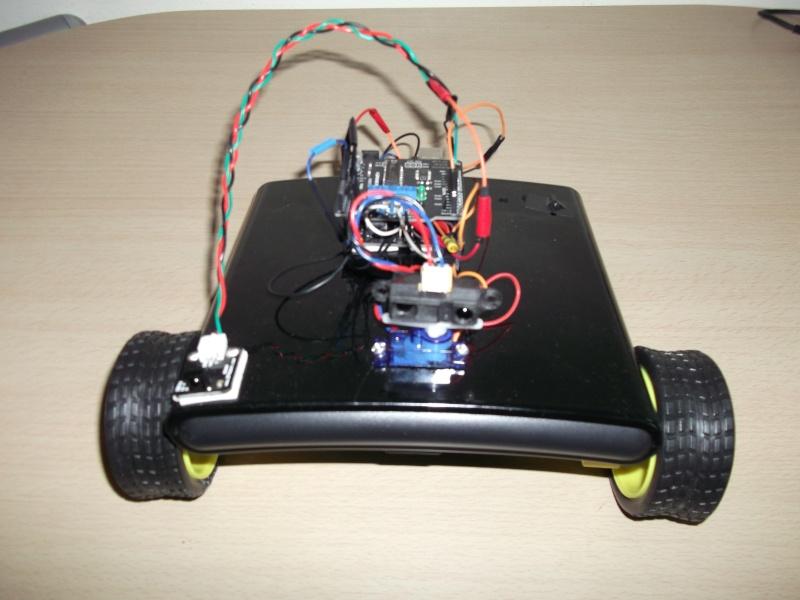 Mon robot BlackWar télécommandé. Dscf0118