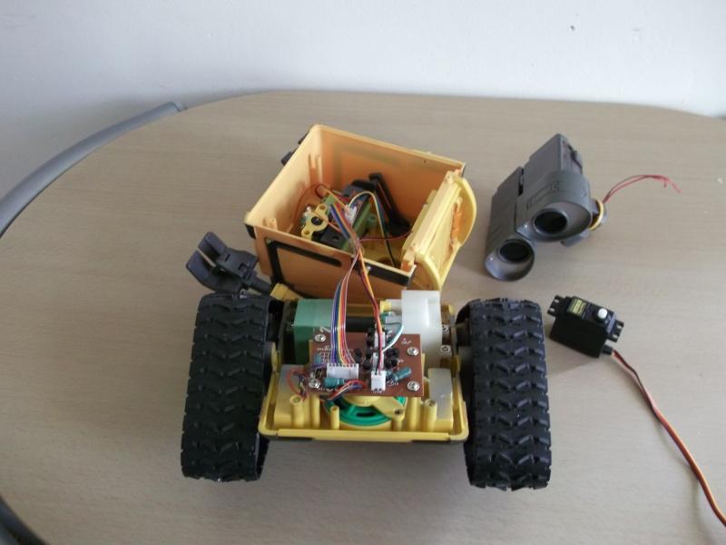 Préparation d'un robot Wall-e Dscf0124
