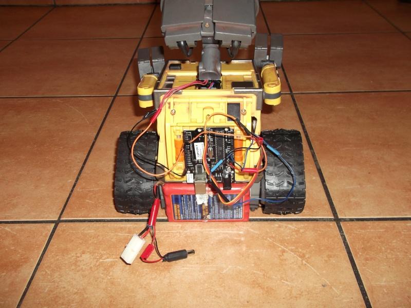 Préparation d'un robot Wall-e Dscf0128