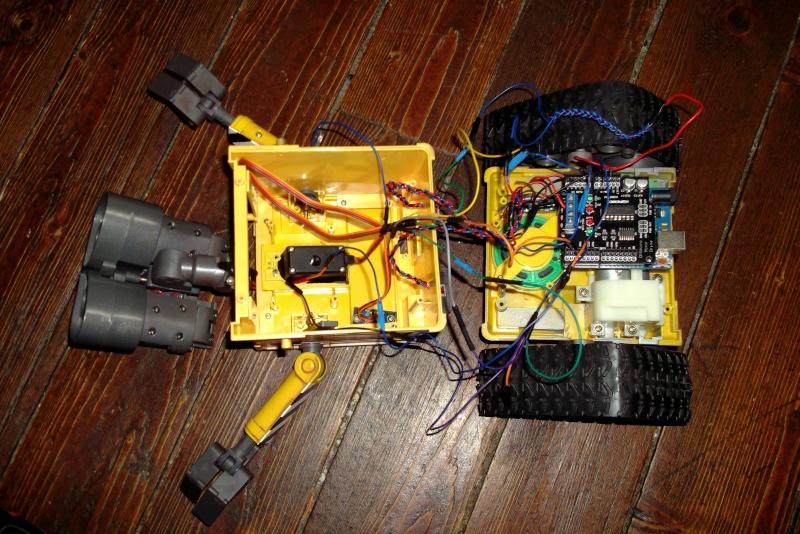 Préparation d'un robot Wall-e Dscf0345