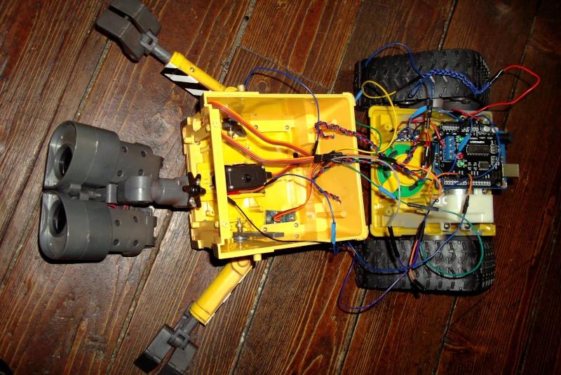 Préparation d'un robot Wall-e Dscf0347
