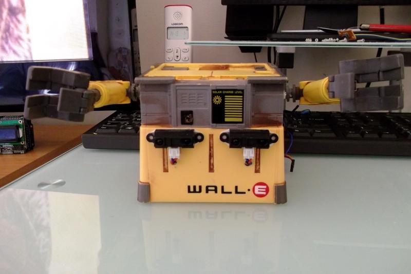Préparation d'un robot Wall-e Dscf0348