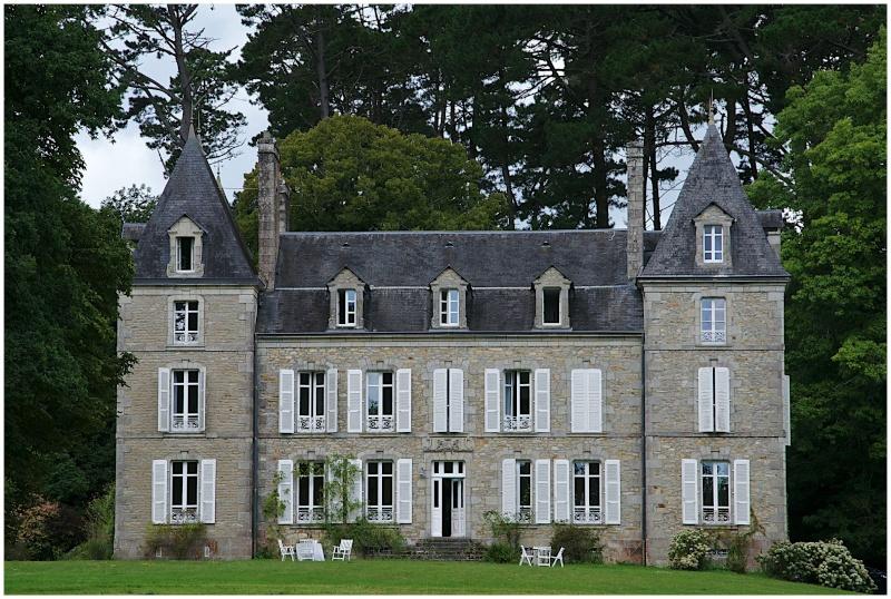 Châteaux & Manoirs autour de Quimper (+ 1  le 22/8) - Page 2 Dsc24711