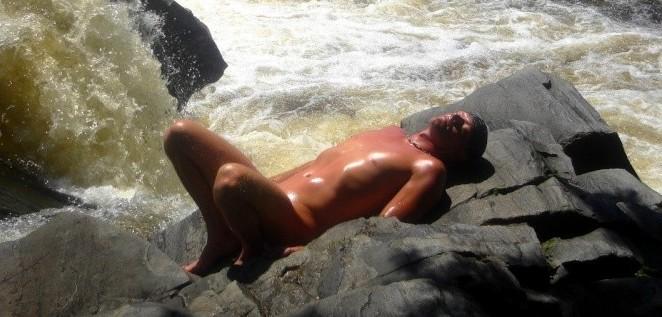 De belles photos naturistes d'ici et d'ailleurs! - Page 2 Bronza10