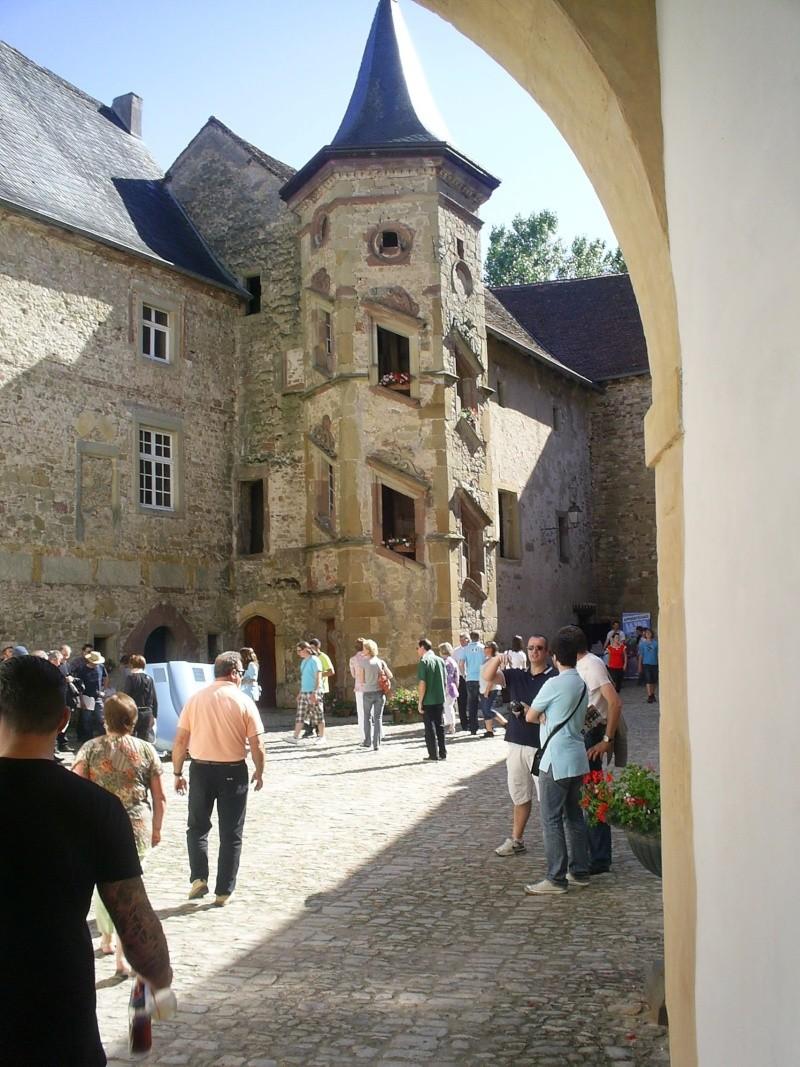 Réunion au château de SIXTE en Lorraine S4023312