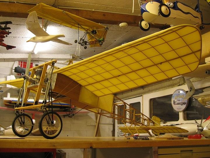 Montage d'un Blériot XI de K&W Models 03811