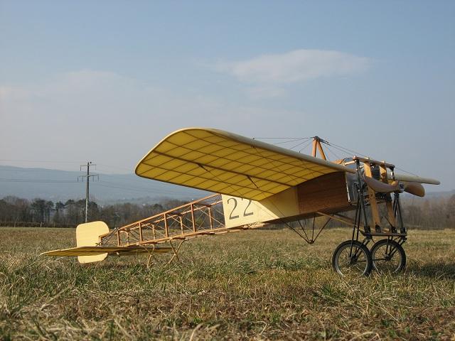 Montage d'un Blériot XI de K&W Models Blerio11