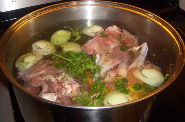 Bouillon de poulet Pou_os11