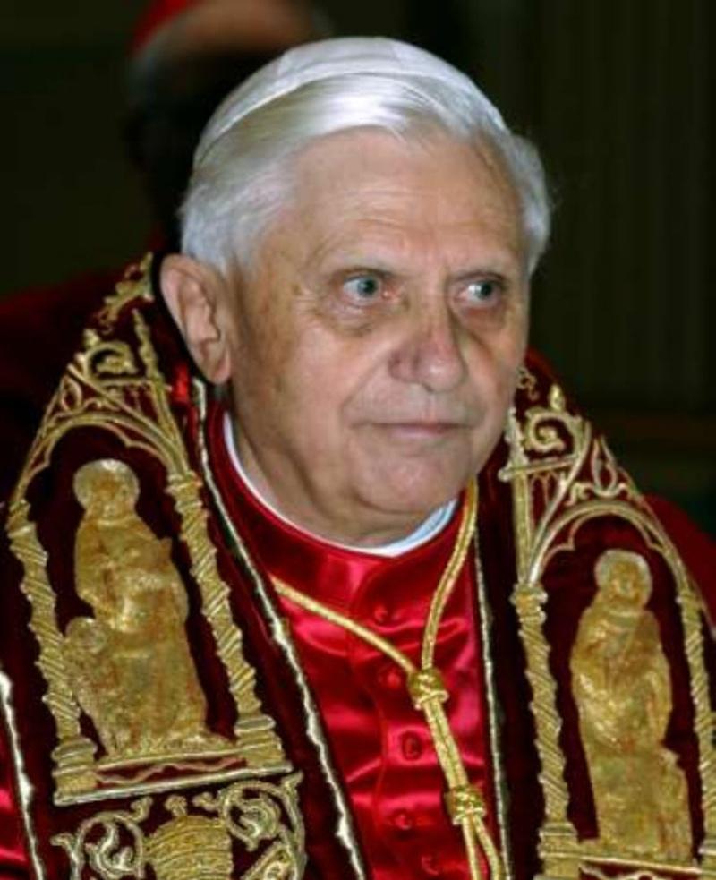 Benoît XVI et l'Antéchrist : Comment le Pape retarde la venue au pouvoir de l'Antéchrist Kxfd1m10
