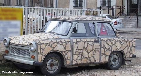 La voiture du film Cars 2 que vous aimeriez voir en miniature Mattel ! - Page 9 Traban10