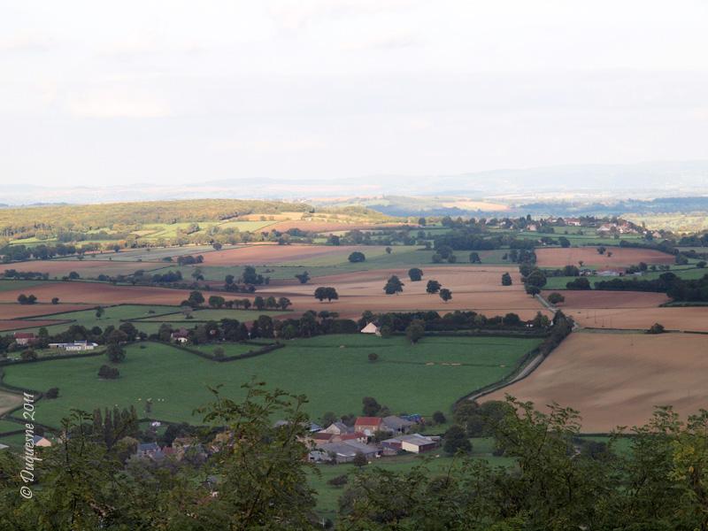 La butte de Montenoison (Nièvre) P9227911