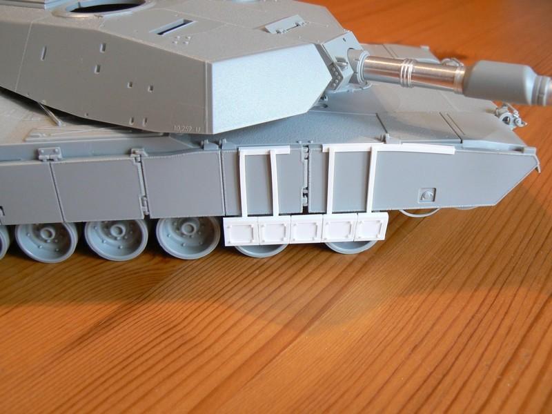 M1A2 SEP Dragon 1/35 et ses jupes... P1070310