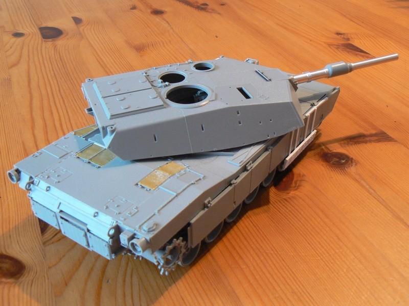 M1A2 SEP Dragon 1/35 et ses jupes... P1070313