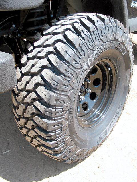 Cambio gomme 285/75R16 0701_410