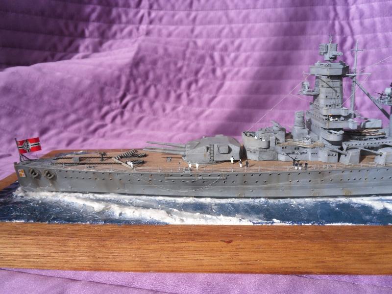 D.K.M Graf Spee 1/350 Academy. Graff_17