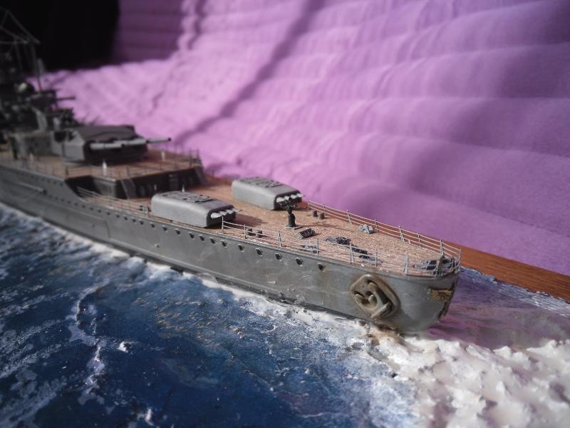 D.K.M Graf Spee 1/350 Academy. Graff_18