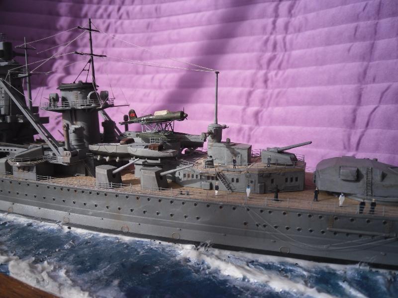 D.K.M Graf Spee 1/350 Academy. Graff_19
