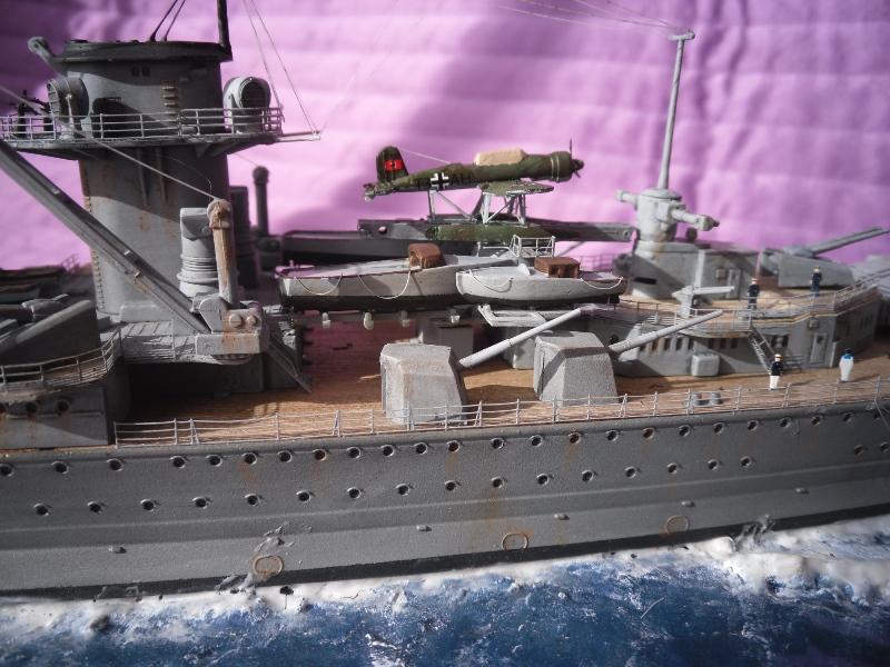 D.K.M Graf Spee 1/350 Academy. Graff_24