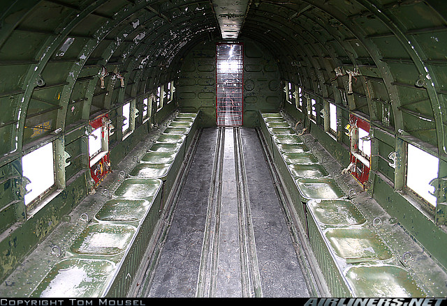 Douglas DC-3 C-47 (part. 2/2) - Page 4 Intari10
