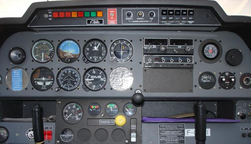 RobinDR-400 jsbSim 120cv Tablea21