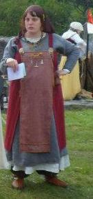 Robe d'inspiration viking pour grosse femme enceinte... Sans_t10