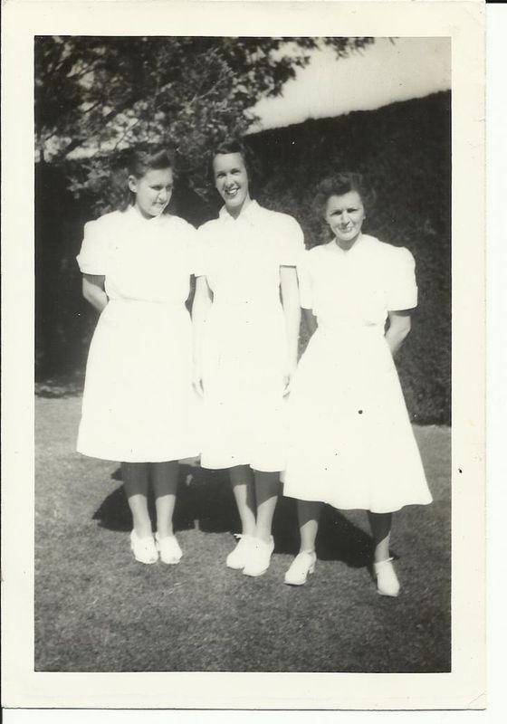 Pour les Femmes ANC/WAC de l'Asso Mayenne photos et docs des tenues.. Kgrhqm10