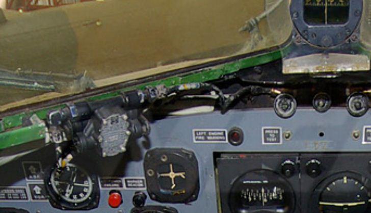 Douglas DC-3 C-47 (part. 2/2) - Page 2 Essuie11