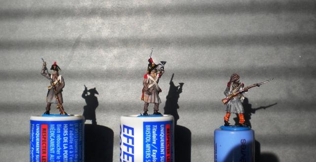 Figurines et bourg en cours 00376
